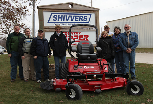 Country Clipper Mowers, a division of Shivvers Manufacturing, donated a zero turn mower to the Wayne County Conservation Board.